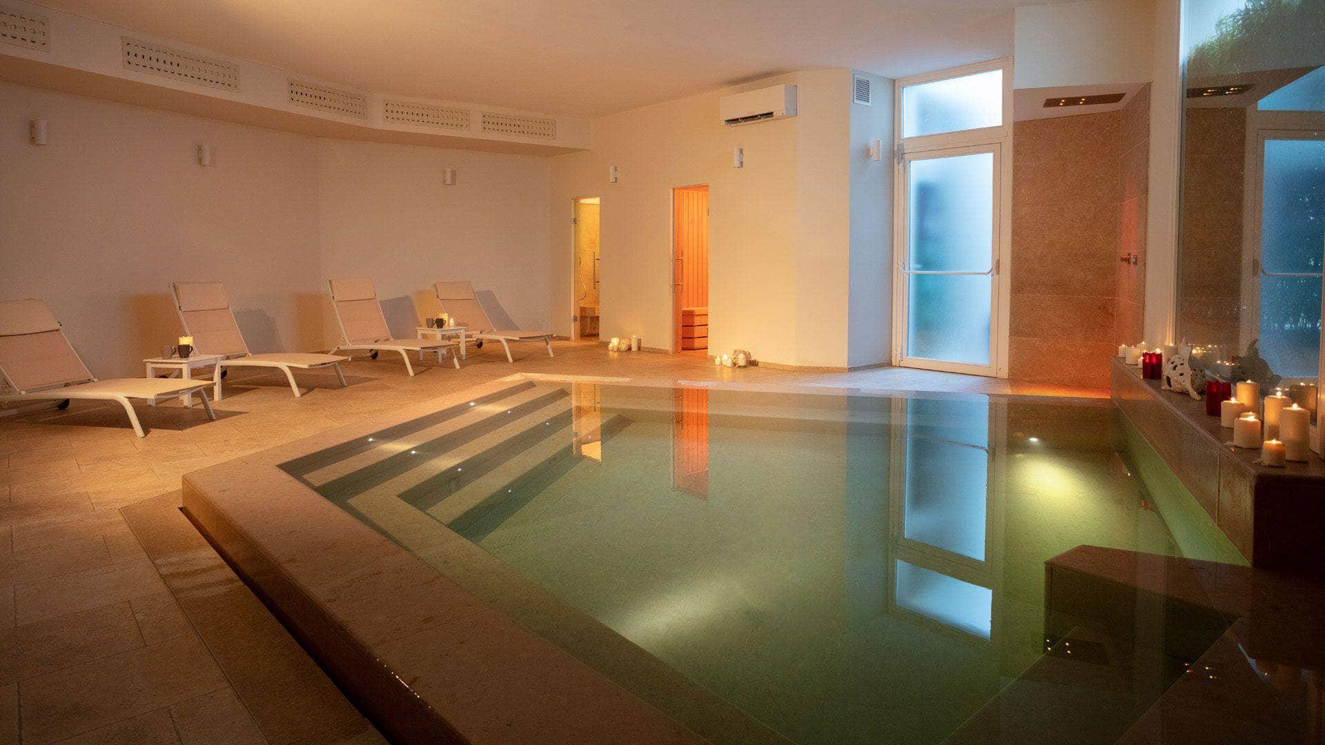Masseria Mongiò: spa con vasca idromassaggio a Otranto